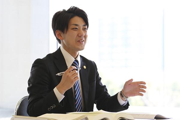 成瀬潤(アトム法律事務所福岡支部長)